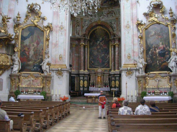 inside-ettal-monastery