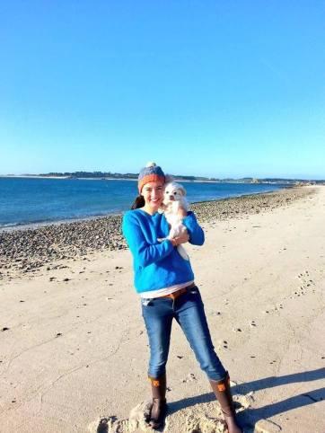 lilly-i-beaching